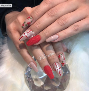 9 acrylic nails designs that will